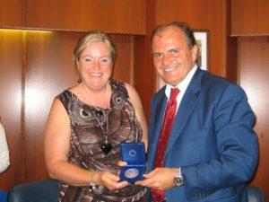 De Angelis con sindaco di Vaughan, signora Linda Jackson
