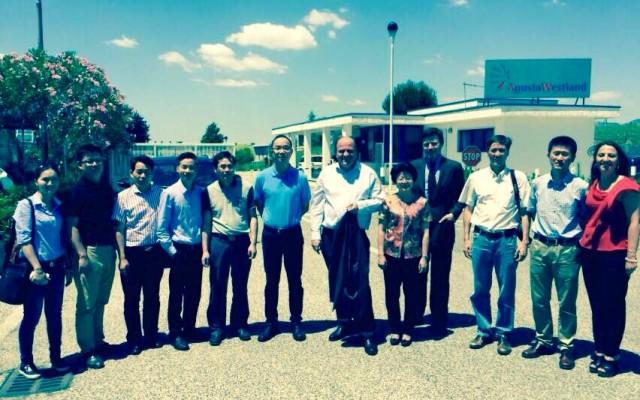 """Il Presidente ASI De Angelis e una delegazione cinese in visita all'Agusta di Frosinone: """"Occasione per sviluppare sinergie"""""""